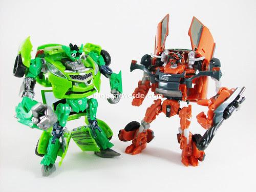 Transformers Mudflap RotF Deluxe vs Skids - modo robot