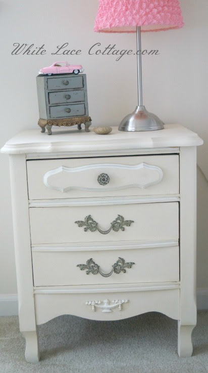 032frenchnightstand