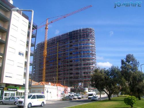 Construção do Hotel Oasis Plaza na Figueira da Foz [en] Construction of the Plaza Oasis Hotel in Figueira da Foz