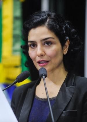 Letícia Sabatella participou de eventos e campanhas em defesa da democracia e contra o processo de impeachment, que será julgado pelo Senado em até 180 dias