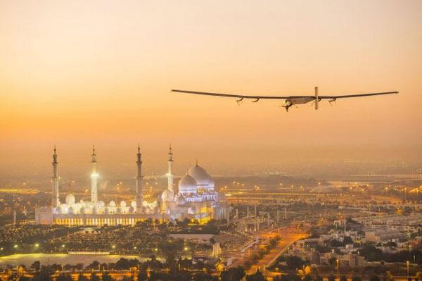 perierga.gr - Ηλιακό αεροπλάνο ξεκίνησε το γύρο του κόσμου χωρίς καύσιμα!