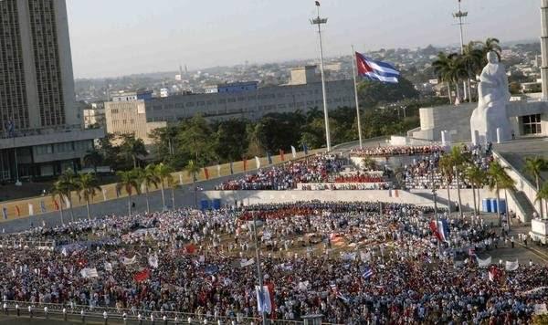 Desfile por el Primero de Mayo, Día Internacional de los Trabajadores, en la Plaza de la Revolución José Martí, en La Habana Cuba. AIN FOTO/ Sergio ABEL REYES