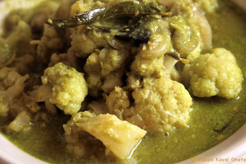 Green Curry with Cauliflower