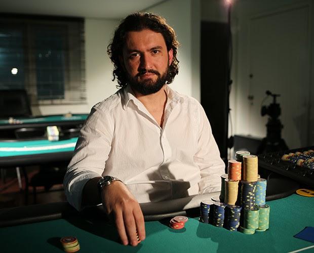 Marco jogou pôker profissionalmente durante seis anos (Foto: Larissa Moggi)