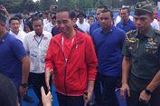 Di Bandung, Jokowi Jajal Kerupuk Banjur dan Tahu Petis