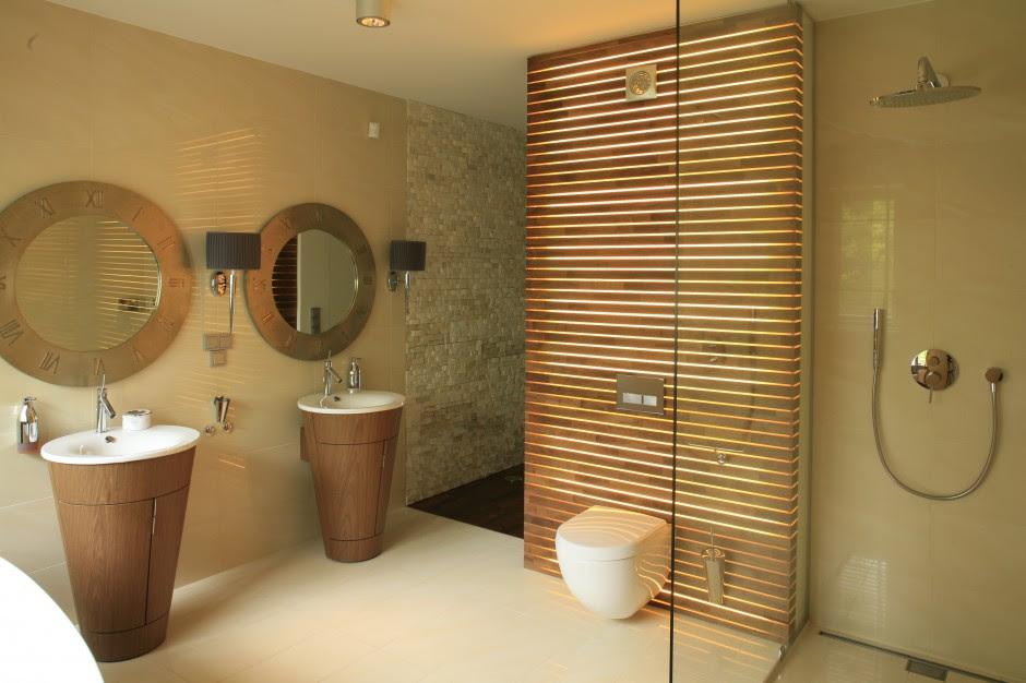 W przestronnym salonie... | Łazienka w stylu SPA – piękne ...