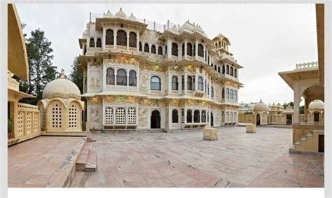 Cost of Destination Wedding Packages in Udaipur between 20