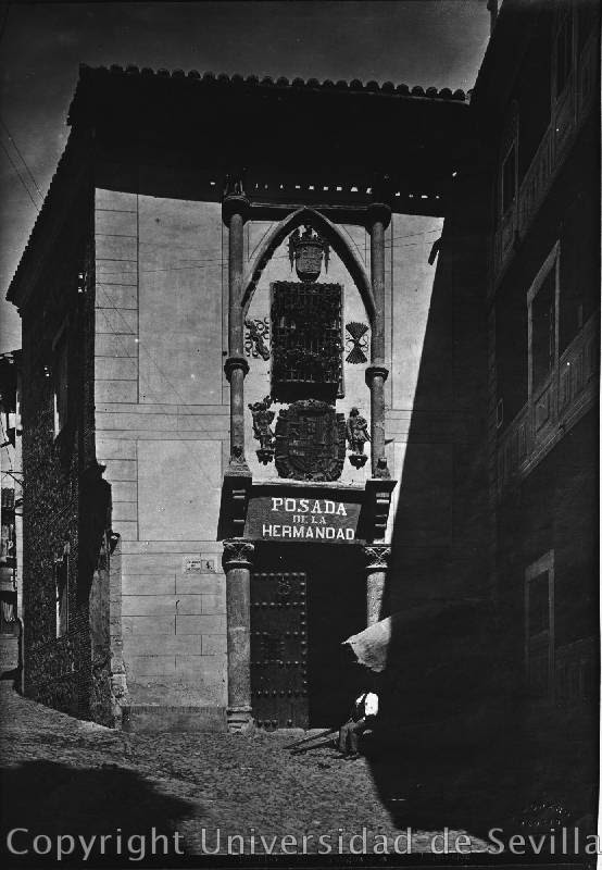 Fachada de la Posada de la Hermandad de Toledo. Fotografía de Luis Jiménez Placer tomada el 11 de julio de 1923 Fototeca Universidad de Sevilla