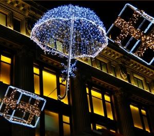 La Generalitat apela a la responsabilidad de los consumidores ante las compras navideñas