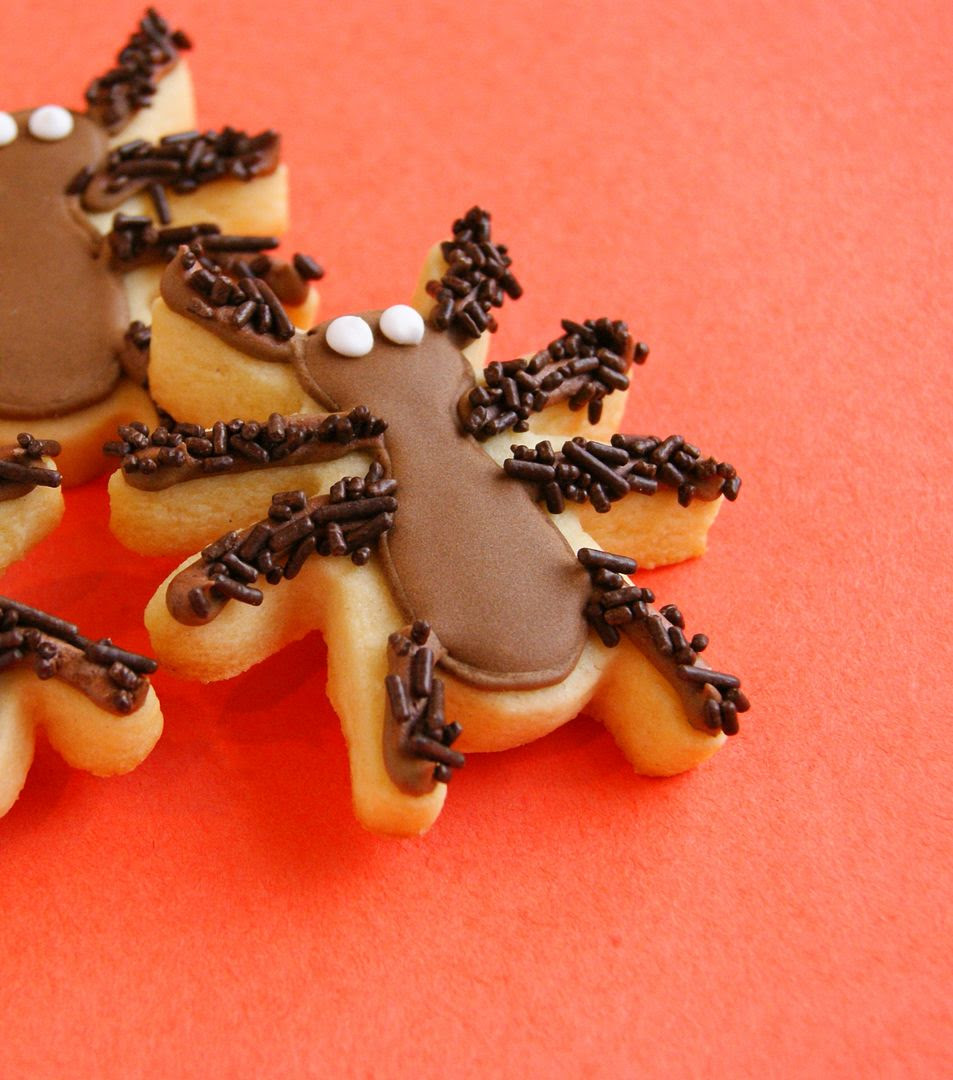hairy-legged spider cookies