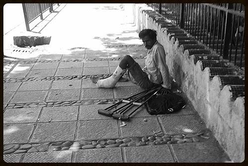 ek zara sa ghum-e-dauraan ka bhi haq hai jis par maine wo saans bhi tere liye rakh chhodi hai by firoze shakir photographerno1
