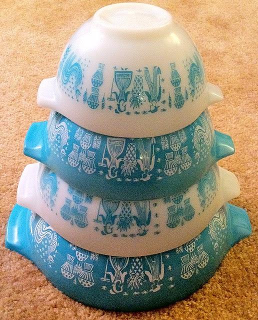 Pyrex Butterprint Nesting Bowls