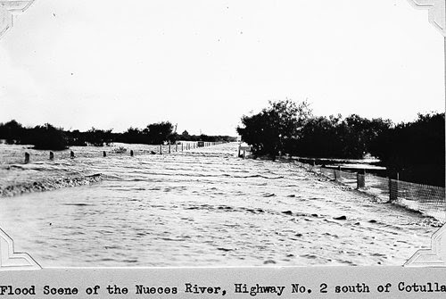 Nueces River flood scene, Cotulla Texas, 1935