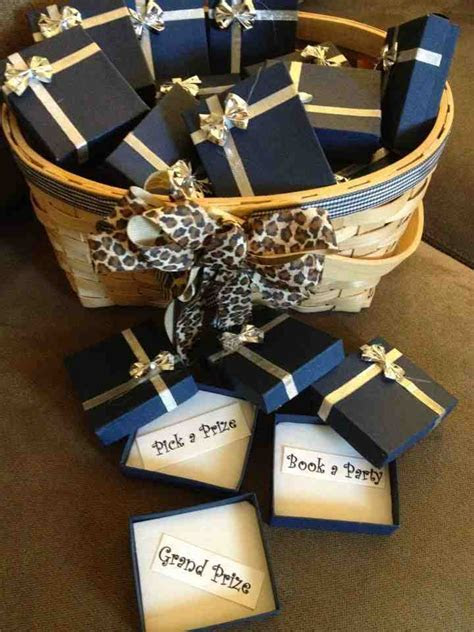 Discount Wedding Party Gifts   Wedding and Bridal Inspiration