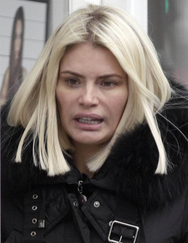 You won't believe what Chloe Sims looks like without a ...