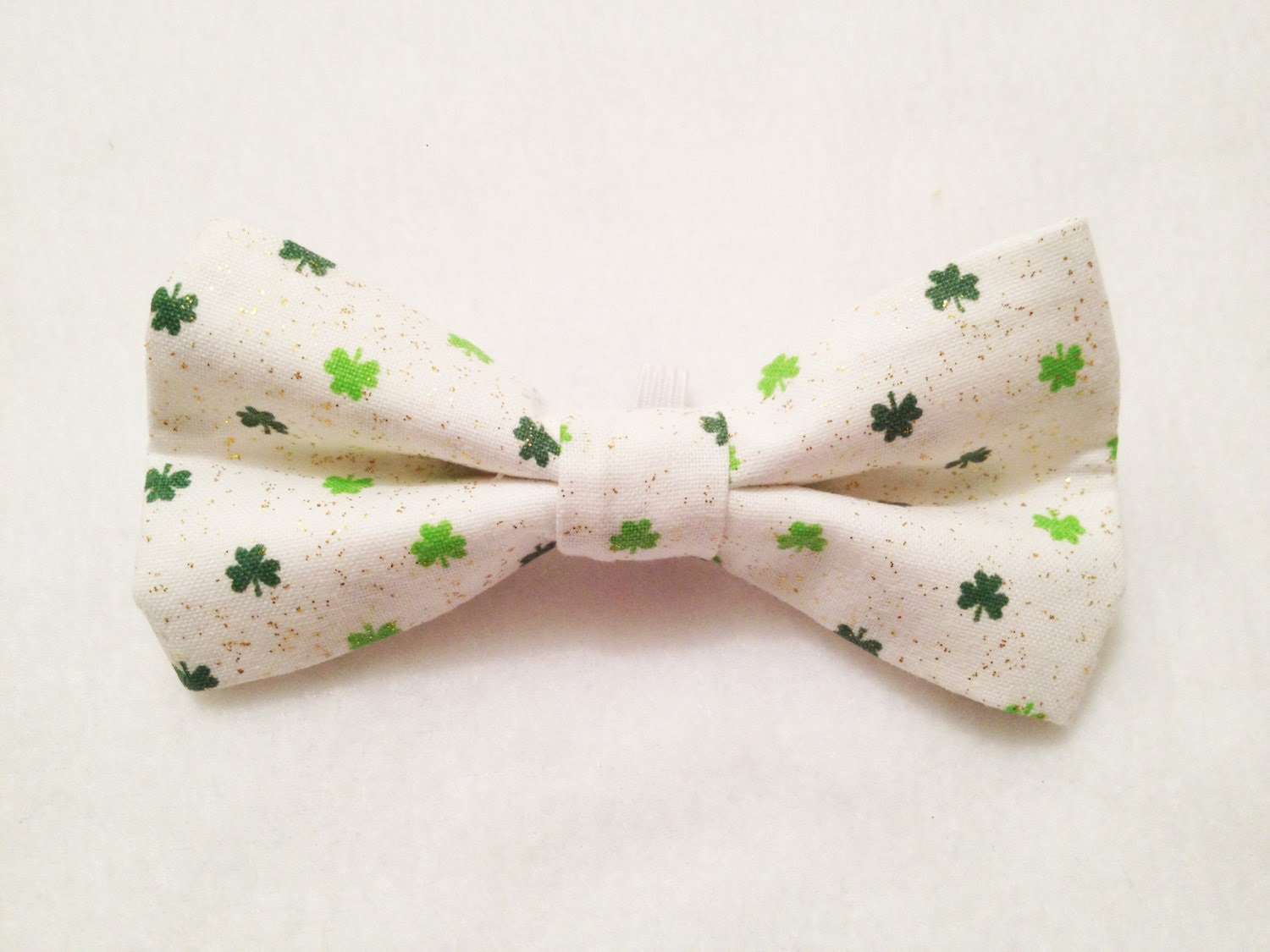 St. Patrick's day Puppy Dog Bow-Tie White w/ Clovers