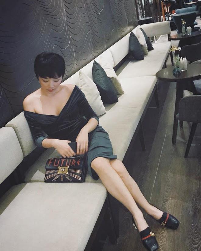 Phạm Hương khoe chân dài bất tận, Kỳ Duyên diện phụ kiện hàng hiệu chất lừ trong street style tuần này - Ảnh 15.