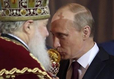 Putin: Entre a paz, a Santa Rússia e a homofobia