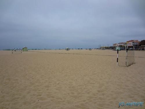 Campos de praia da Figueira da Foz / Buarcos #11 - Futebol na areia com balizas pequenas (1) [en] Game fields on the beach of Figueira da Foz / Buarcos - Football in the sand with small goals