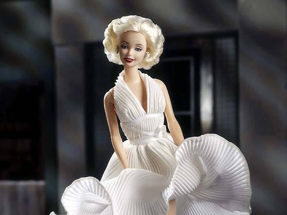 366898 barbie marilyn Monroe Os famosos que viraram bonecos
