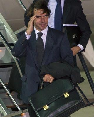 José María Aznar a su llegada al aeropuerto de Jerez de la Frontera - EFE