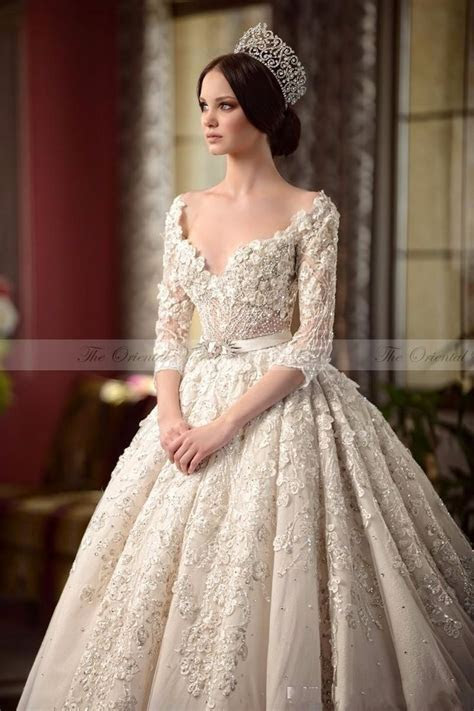 2017 Luxury Vintage Lace Victorian Wedding Dresses with