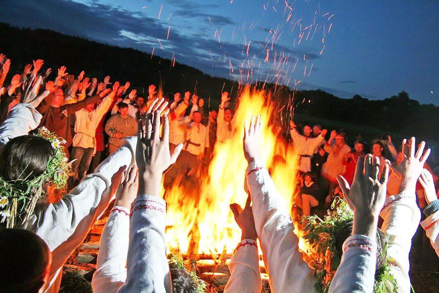 Традиционные особенности встречи праздника Бога Купала у Староверов и Родноверов