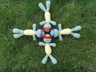 Tmnt Knitting Patterns : Knitted Toy Box: Teenage Mutant Ninja Turtles (TMNT)