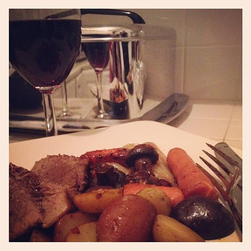 Recipe for making Thursday special; Signattera Pinot Noir San Remo Vineyard 2010 with Pot Roast #justlikemomusedtomake
