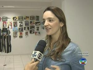Milena de Mello é coordenadora da Oficina Cultural Tarsila do Amaral em Marília (Foto: Reprodução/TV TEM)