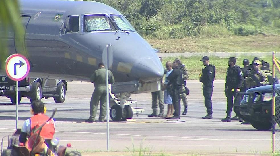 Fernandinho Beira-mar é transferido do presídio federal de Rondônia para outro estado (Foto: Reprodução/TV Globo)