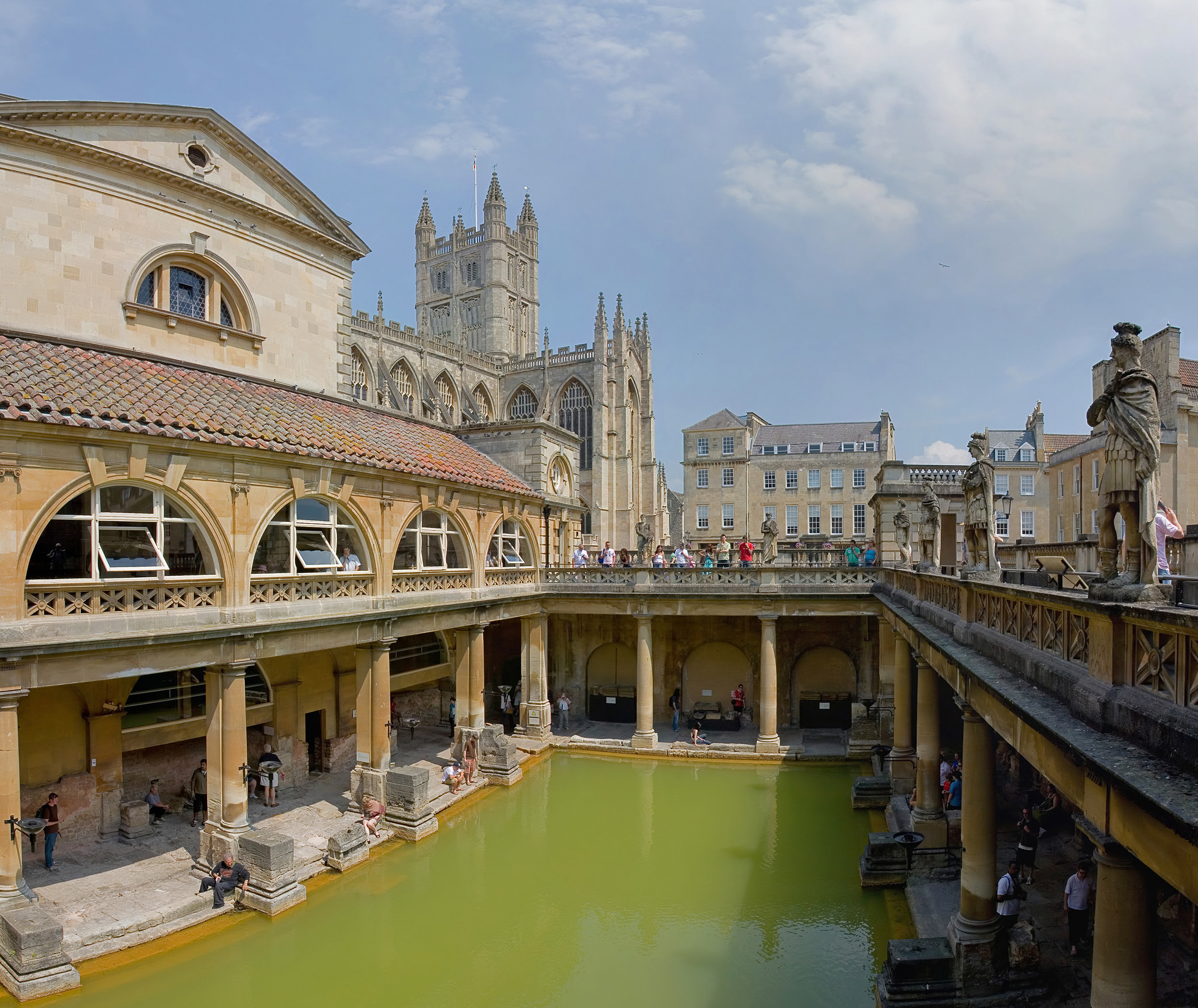 Roman_Baths_in_Bath_Spa,_England_ _July_2006_edit3