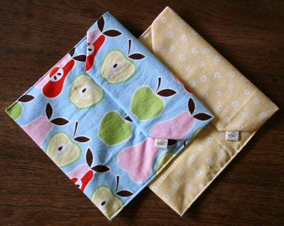 pair of reusable, lined sandwich bags in fruits & yellow