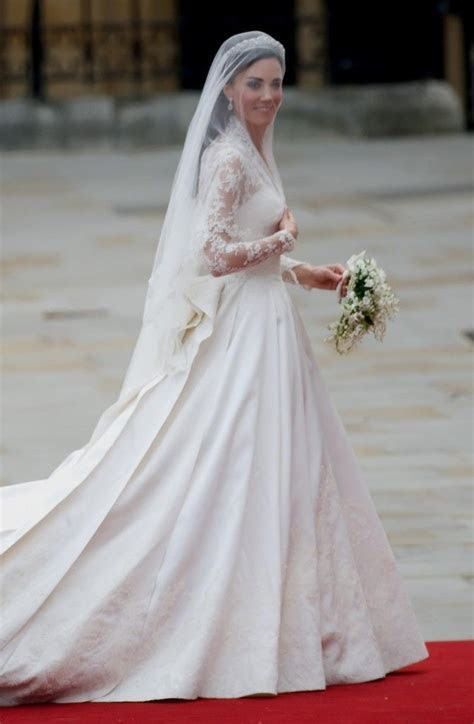 kate middleton wedding dress cost   www.SafeListBuilder