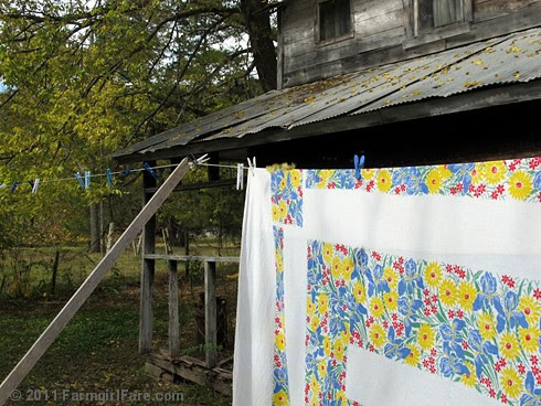 Vintage spring linens on the autumn laundry line 4 - FarmgirlFare.com