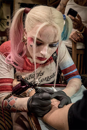 Pic Harley Quinn Inks Tattoos In Suicide Squad Yell Magazine
