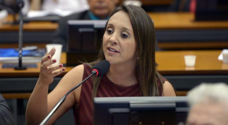 Apesar da troca do Podemos na CCJ, Renata Abreu votou contra Temer (Foto: Leonardo Prado/Câmara dos Deputados)