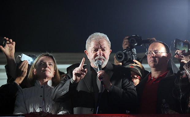 O ex-presidente Lula participa de ato em sua defesa em São Paulo