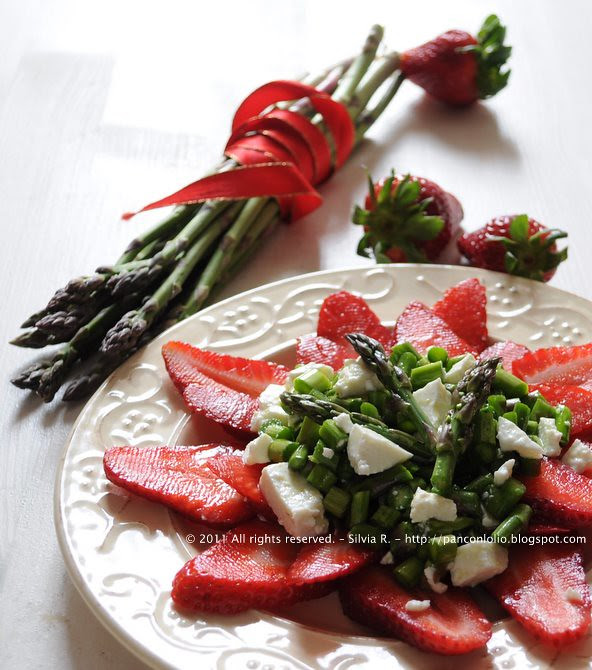 insalata di asparagi crudi, fragole e caprino 019
