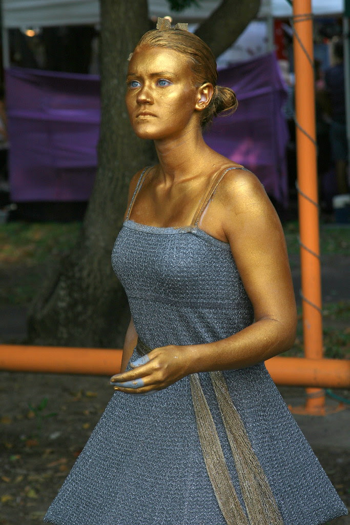 Living statue Mindil