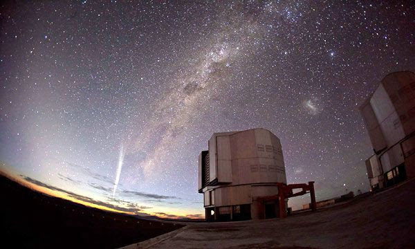 The Milky Way and Comet Lovejoy are visible in this snapshot of the European Southern Observatory in Chile.