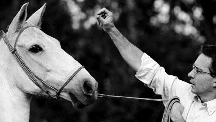 La maldición de Guacharacas: la hacienda de los Uribe Vélez