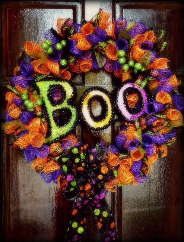 Halloween Wreath Tutorial from www.thisautoimmunelife.com #halloween #wreath