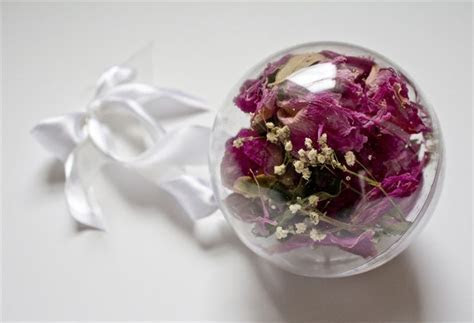 25  best ideas about Preserve wedding bouquets on