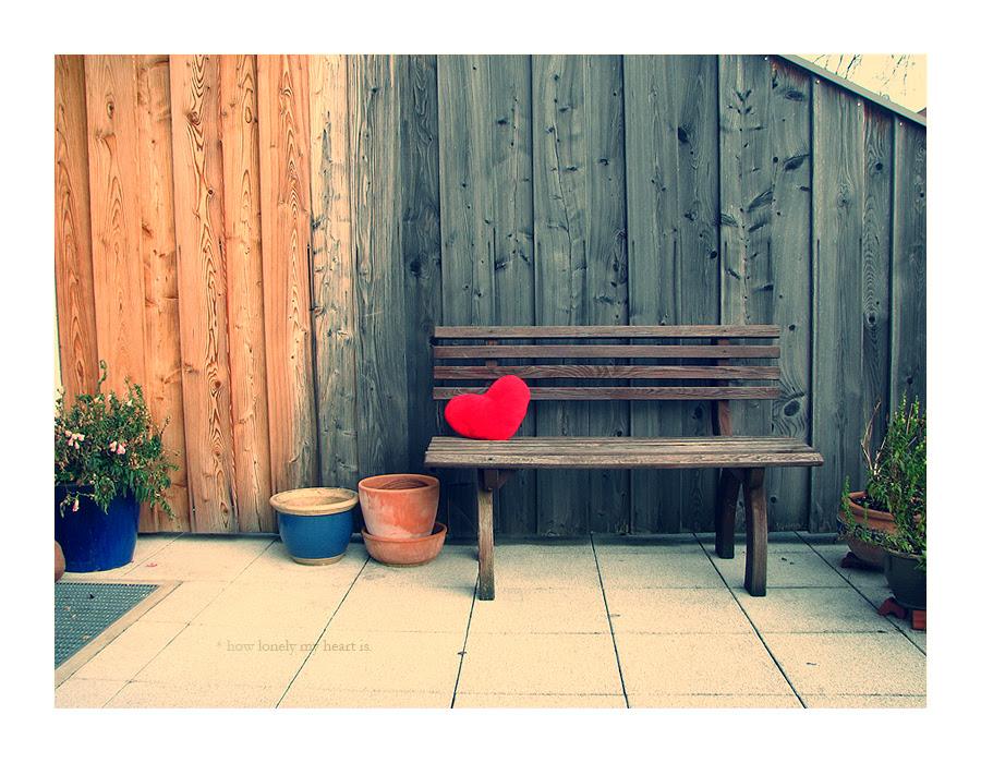 http://fc00.deviantart.net/fs15/f/2007/018/a/d/lonely_heart__by_inContrast.jpg