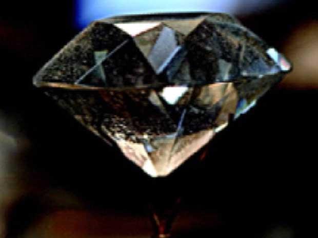 """""""Estrela do sul"""" chegou a ser exposto no museu Louvre, em Paris (Foto: Reprodução TV Integração)"""