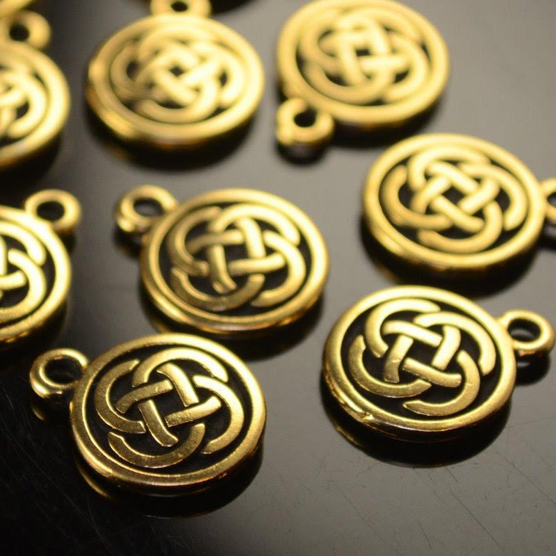 tc94-2033-26 Metal Charm -  Celtic Round Drop - Antique Gold (1)