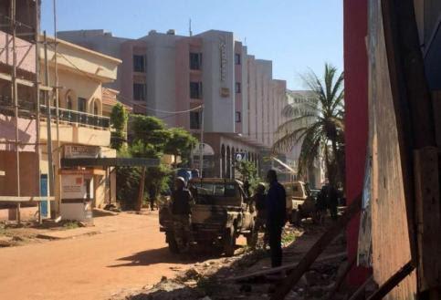 """Mali, assalto jihadista: 170 ostaggi """"Liberato chi sa recitare il Corano"""""""