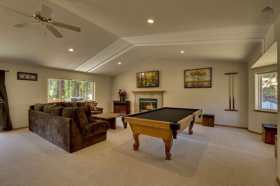 Chateau with spacious living room, pool table... - VRBO