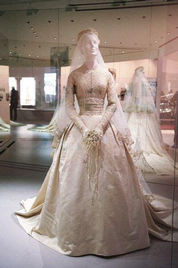 Costume Lovers ? Princess Grace of Monaco wedding dress